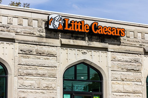 Little Caesars Job Opportunities, Salary, Job Application, Age limit, Interview Questions