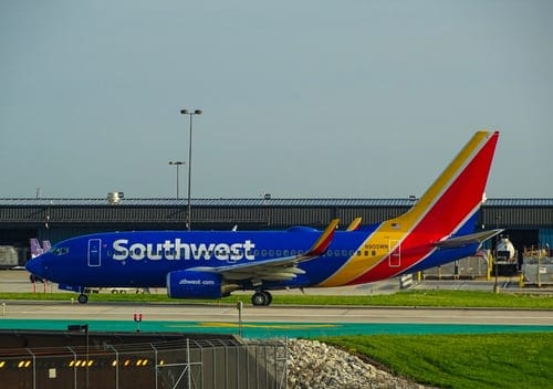 Southwest Airlines Job Opportunities, Salary, Age Limit, Application Process, Interview Questions